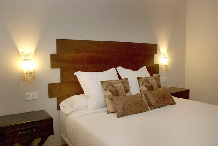 "hotel boutique VIP ROOM ""los amigos""*****"