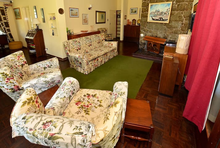 Grace 39 s cottage bvumba bed and breakfasts for rent in for Beds zimbabwe