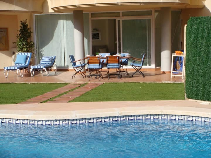 118 Apartment to rent near the beach with a private garden and private pool