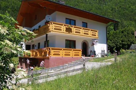 Haus Salzkammergut B&B in Obertraun - Obertraun