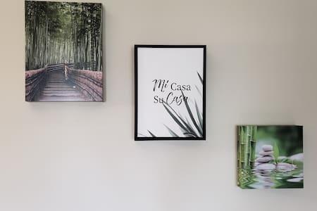 Bamboo Zen Room - Private Suite - Private Entrance