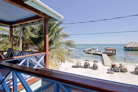 Beachfront Private Room - Reef Shark