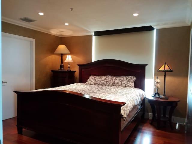 Cozy double bedroom ensuite, best Miami location