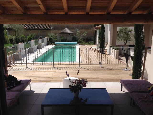 Villa provençale avec piscine - Mollégès - Dom