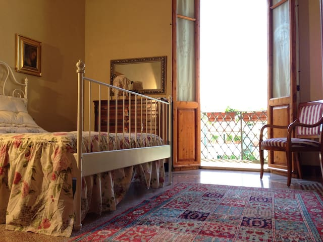 Cosetta Guesthouse - Camera Gialla - Certaldo - Villa