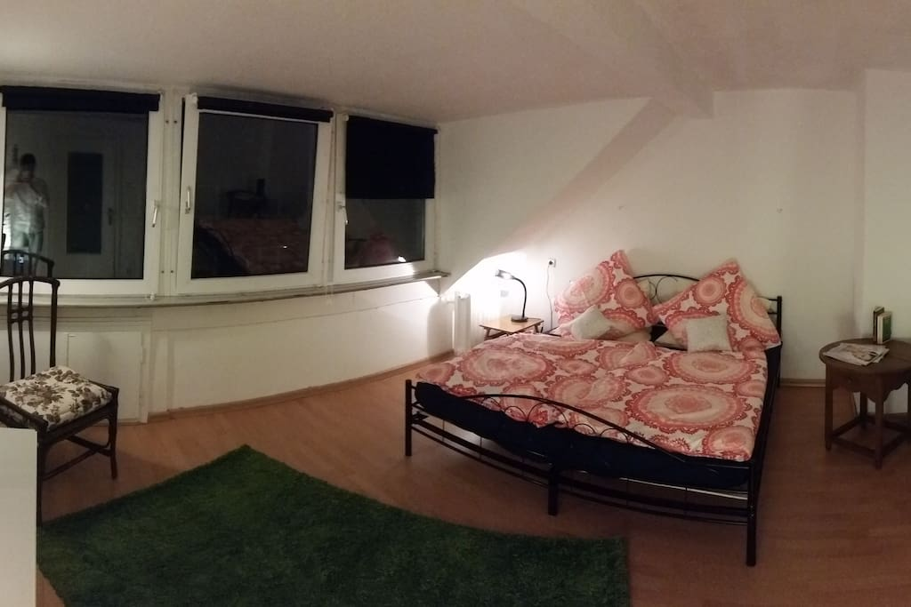 The Red Room from another angle. It has 3 big Windows for brightness. But when I took the picture it was nighttime ;)