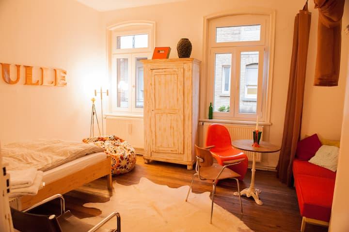 Zimmer in Künstlerwohnung