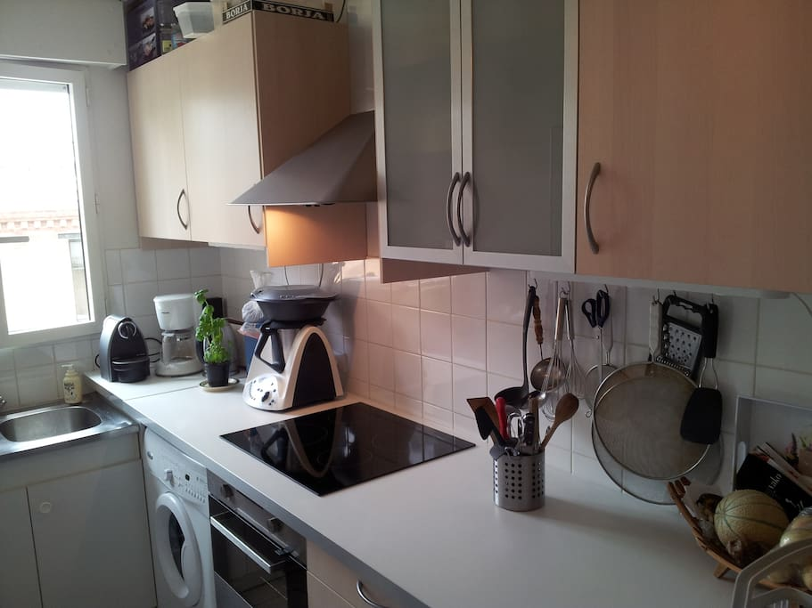 All you need, all you want .. a pratical kitchen, with dishwasher and washing machine