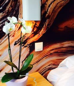 B&B Lisdodde # einfach weiß # Raum1 - Bruges - Szoba reggelivel