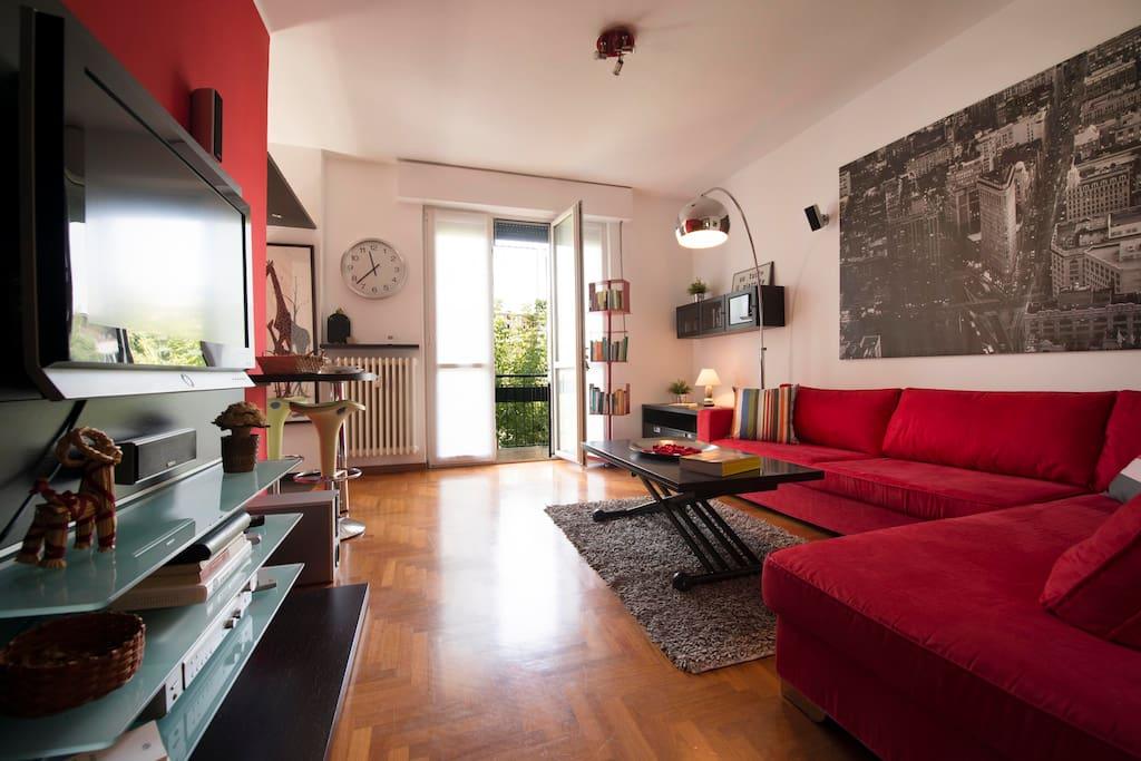Moderno bilocale arredato a milano apartments in affitto for Bilocale arredato milano