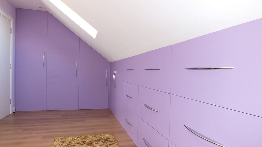 Build-in wardrobes