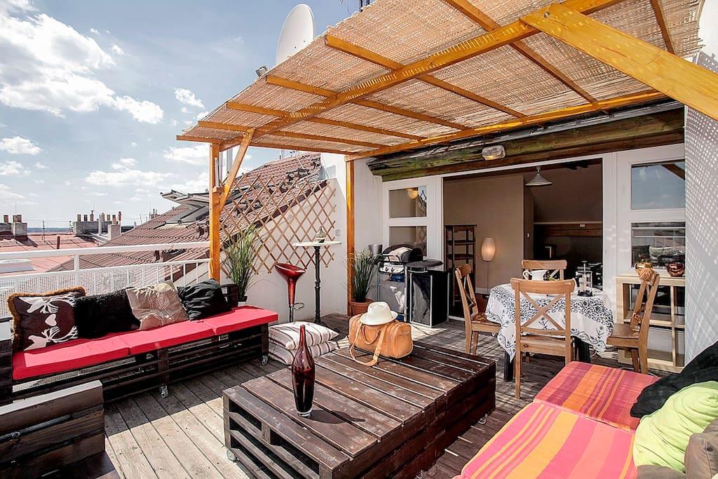 penthouse duplex with terrace wohnungen zur miete in. Black Bedroom Furniture Sets. Home Design Ideas