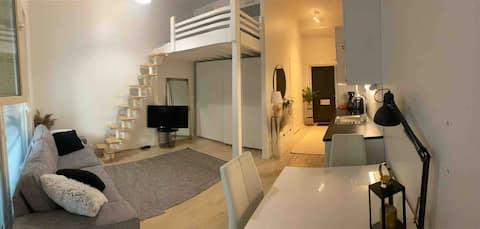 環路上可愛的小公寓,可供兩人入住。