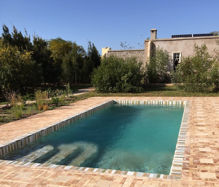 Your oasis of calm on 2 ha. The pool is all yours!