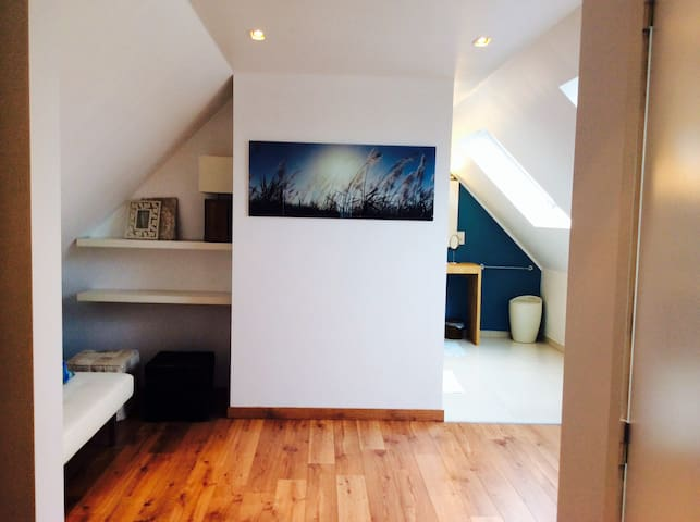 B&B LISDODDE # pure white # Room 3 - Bruges - Bed & Breakfast