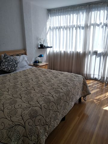Cama King Size cerca Hotel Camino Real Polanco