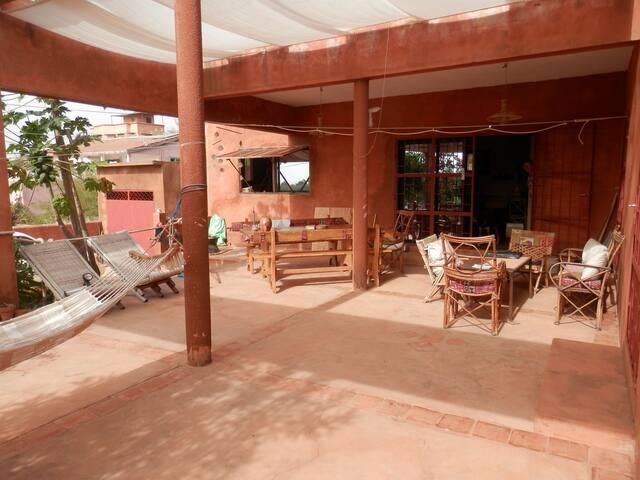 Maison dans quartier calme - Popenguine - Casa