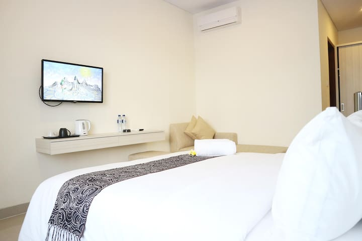 Tri Homestay next to airport