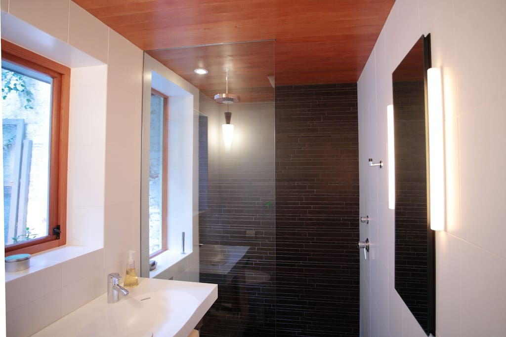 Rainfall shower, heated floors, heaven!