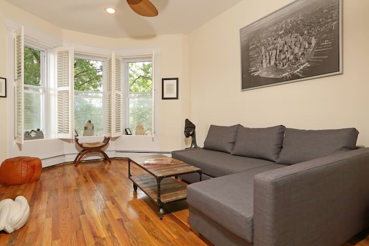 Lovely Sun Lit 3 Bedroom Apartment Apartments For Rent In Brooklyn New York United States