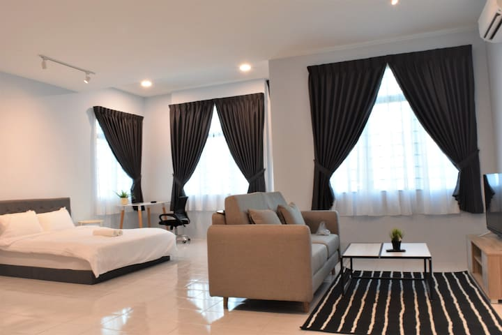 #SPACIOUS Private Space near KLIA & XiaMen uni