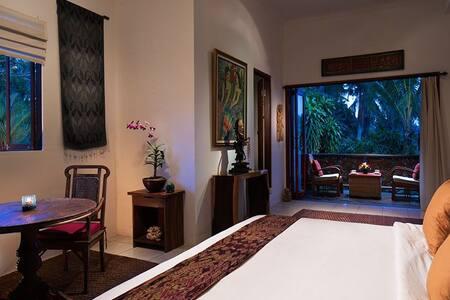 Amrit Bed & Breakfast ( Jepun Room) - Ubud