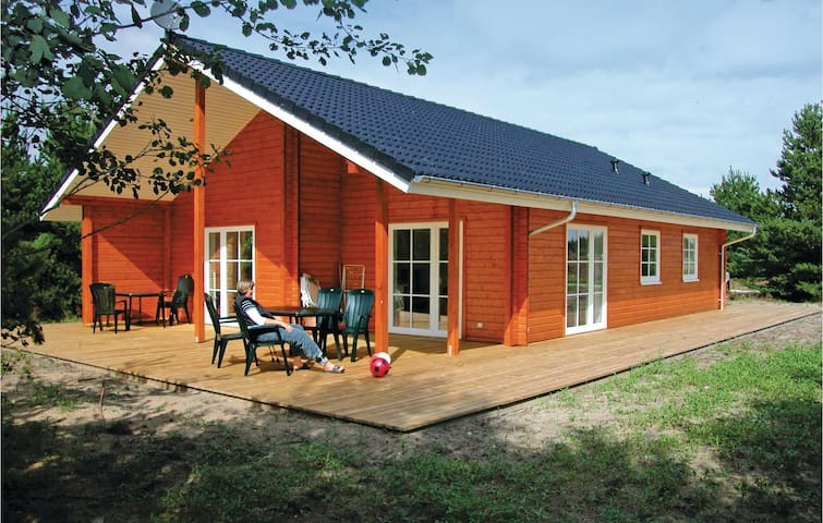 Holiday cottage with 3 bedrooms on 105m² in Brovst