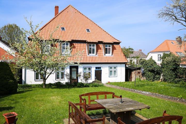 1 Pers. App. in altem Bauernhaus - Heiligenhafen - บ้าน