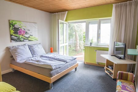 Nice and clean room near to France - Chalet