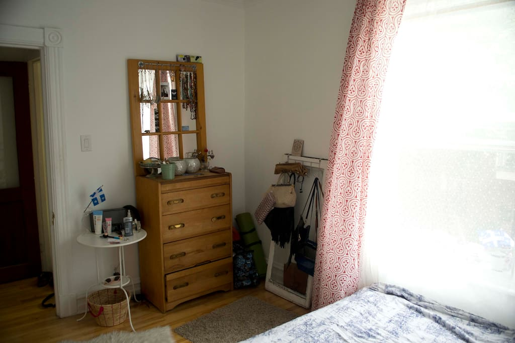 Chambre sur le plateau montreal appartements louer for Chambre sans fenetre loi quebec