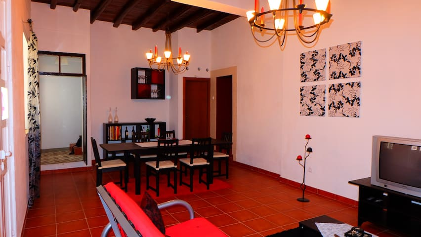 Casa na Serra de Monchique ( 17 km Aljezur ) - Marmelete - Willa