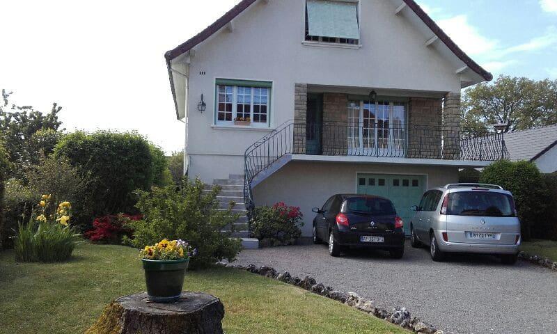 Maison spacieuse sud Bourgogne - Le Breuil - House