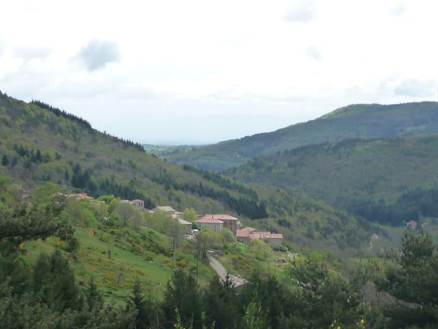 Belle Petite Maison enArdèche Verte - Saint-Symphorien-de-Mahun - บ้าน