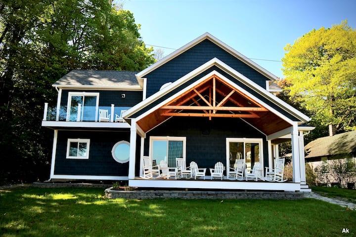 The Palmer House - Beach/Town Steps Away