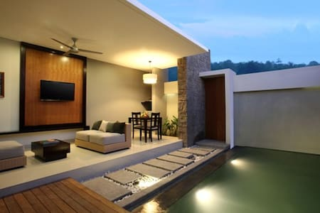 Majestic Living for Holidaymakers - Kuta - Villa