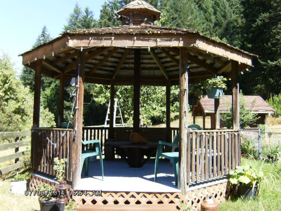 The gazebo is a shady retreat on a hot day with a tall glass of fresh squeezed lemonade or Iced tea or a chilled glass of white wine, cheese platter and fresh fruit