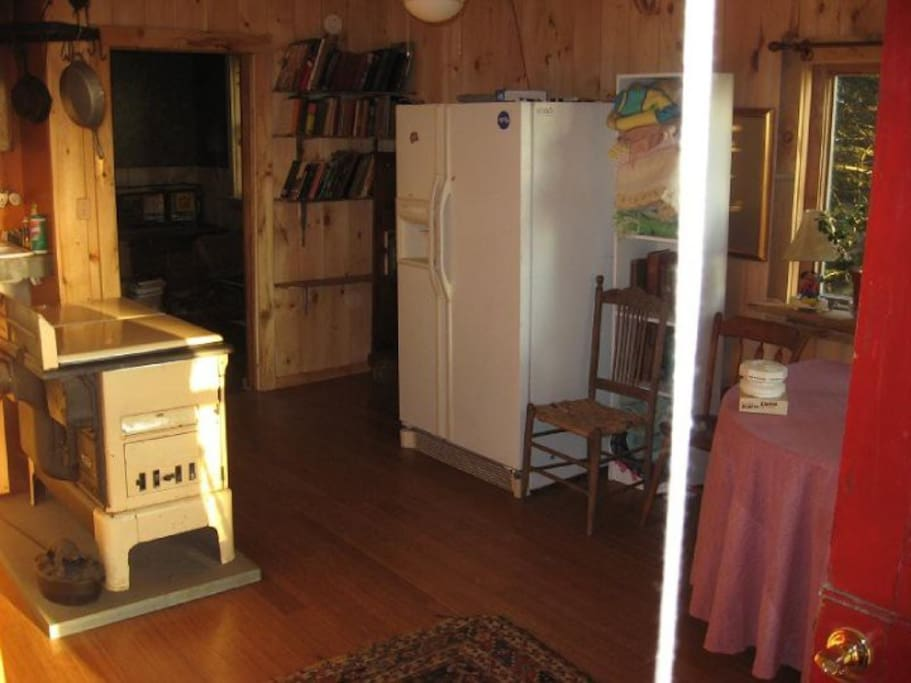 south royalton dating Featured installation: fröling p4 pellet boiler 48/60, north street apartments,  south royalton, vt posted august  installed date: august 2012.