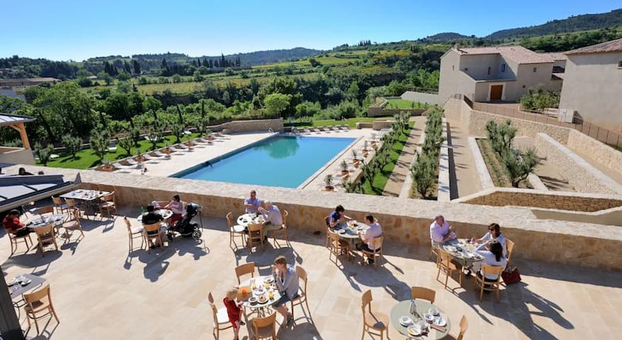 South France vineyard villa & pool. - Saint-Laurent-de-la-Cabrerisse - Hus