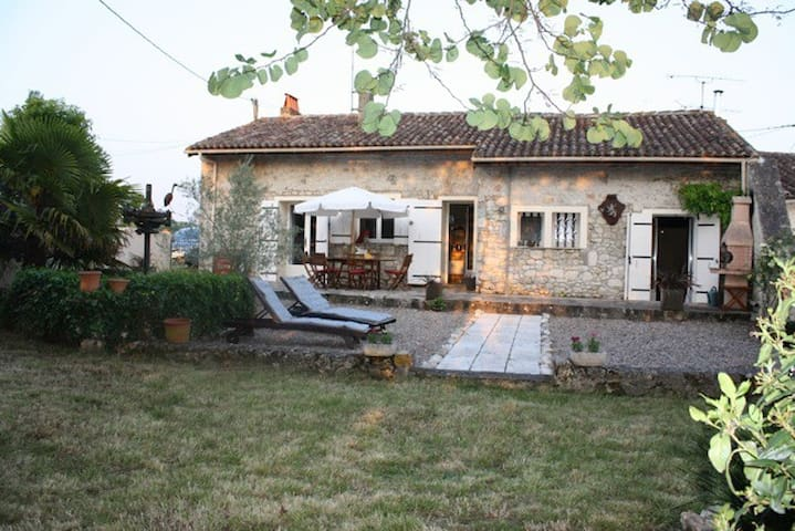Charming 3 bedroom stone cottage - Duras - Huis