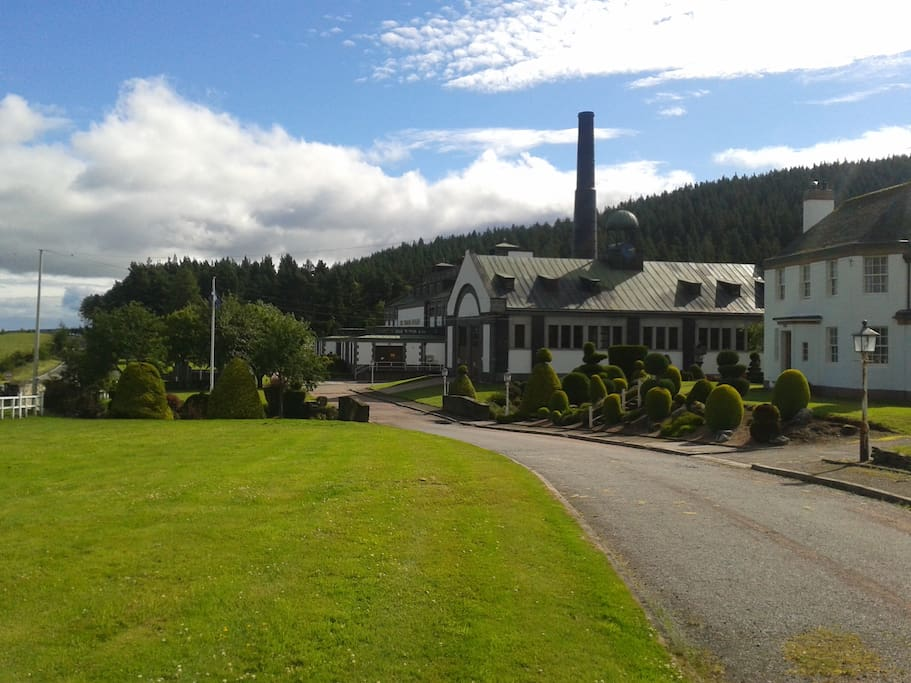 Tormore Distillery a short walk away with lovely gardens.