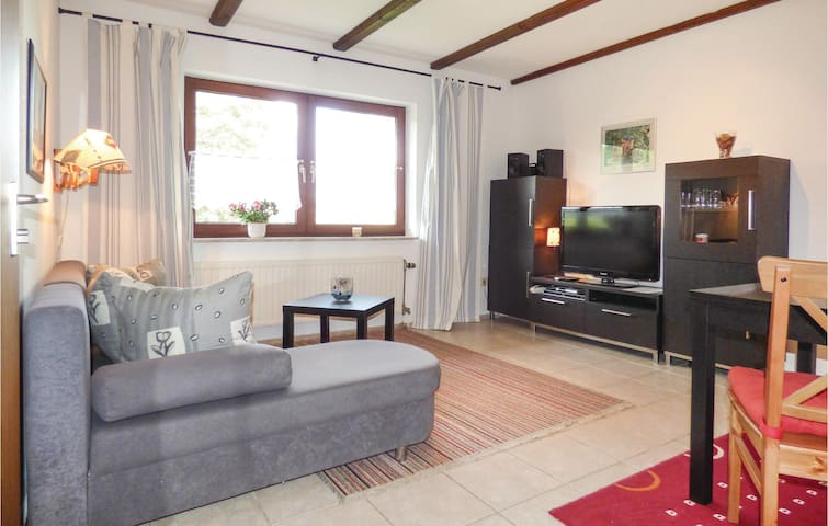 Holiday apartment with 1 bedroom on 35 m² DHU215