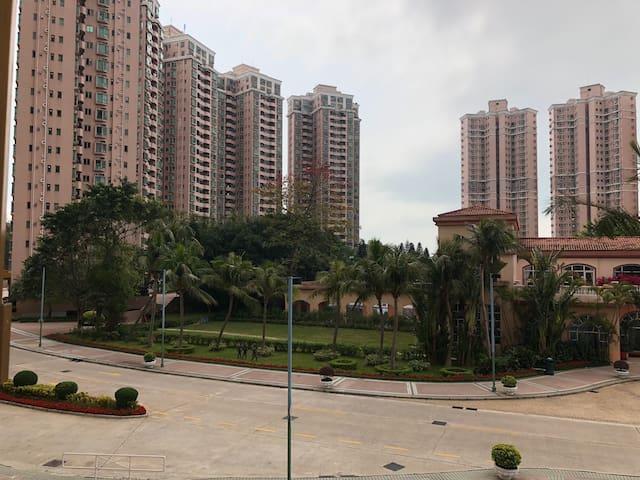 Private master bedroom - Hong Kong Gold Coast Ph 2