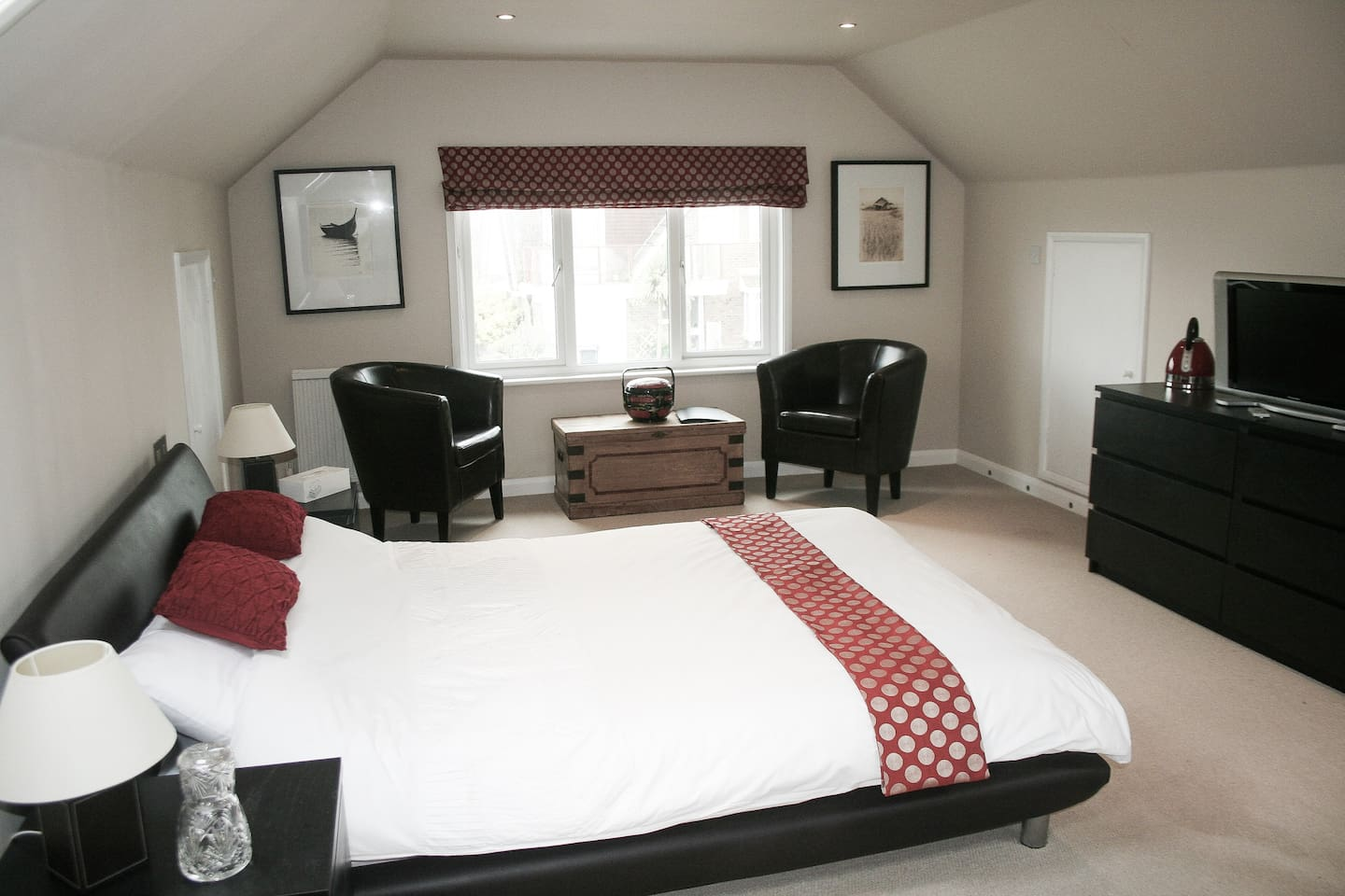 Spacious double room occupying entire loft space
