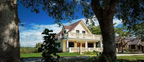 El Gran Mestizo premium romantic riverside cabin