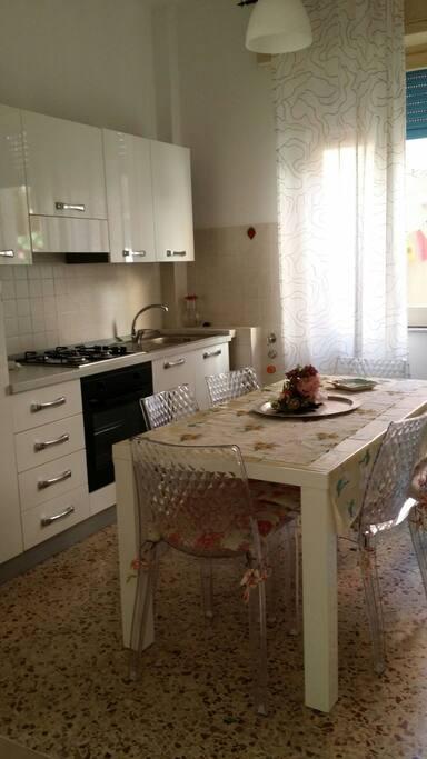 Cucina pranzo dell appartamento Ulisse