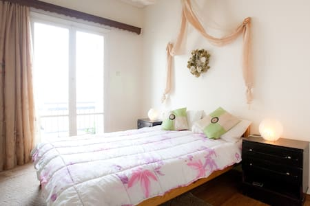 Your relaxing and cozy home in Ath  - 雅典 - 公寓