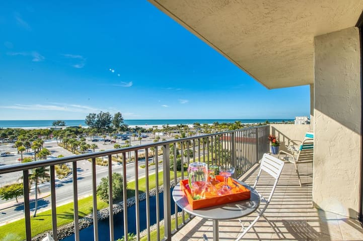 2 Bedroom Condo across from Siesta Key Beach