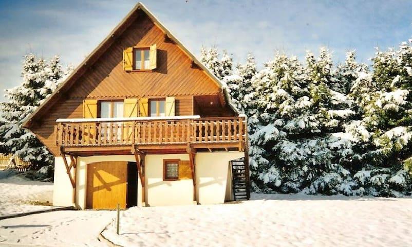 chalet besse en Auvergne rando lacs vtt ski nature