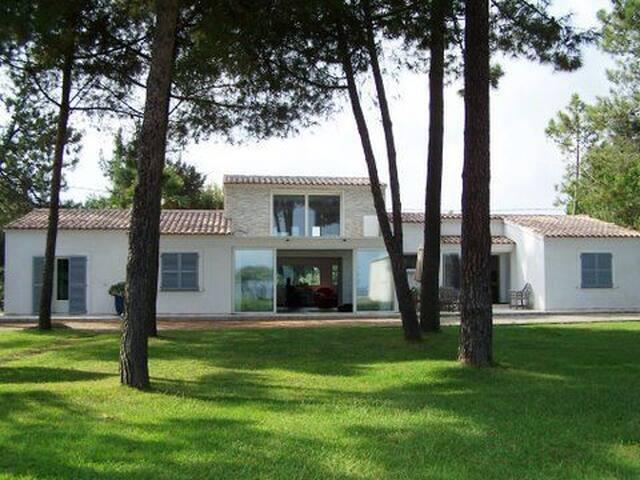 VILLA DE STANDING PLAGE ET PINEDE GHISONACCIA - Ghisonaccia - Vacation home