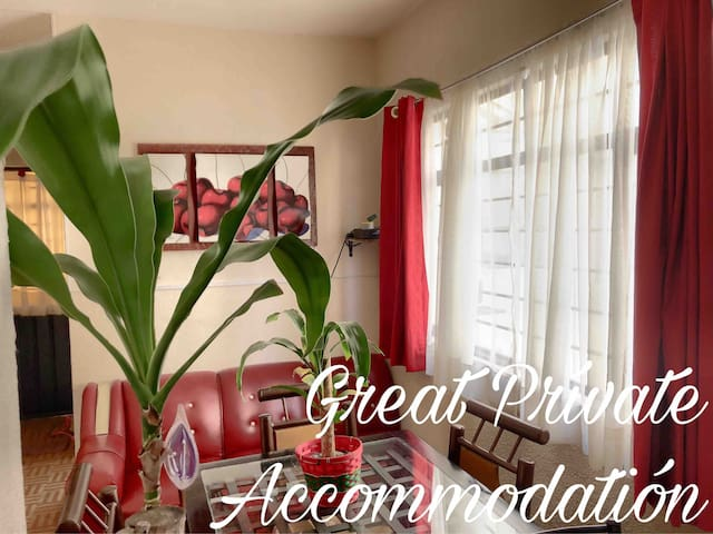 Nice and typical apartment at 3min Airport!